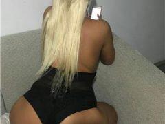 Curve Bucuresti Sex: Blonda 😘😘😙👄22 de ani caut colega 😘😍