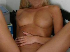 Curve Bucuresti Sex: Blonda si bruneta seductie totala …show erotica pana la final