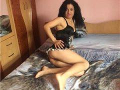 Curve Bucuresti Sex: Elena…LA TINE SAU LA HOTEL